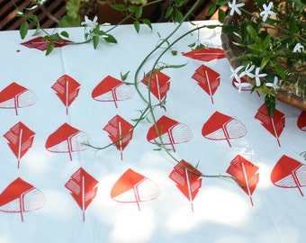 Cotton tablecloth screen printed with leaves in green or red - Kitchen linens hand printed