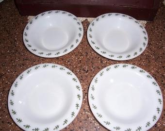 Corning Green Leaf Bowls... Set of 4...Corning Tableware...Dessert or Soup Bowls..Pyrex...