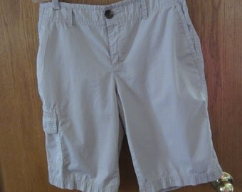 Womens Khaki Cargo Shorts by Liz Claiborne Vintage 1980s or 1990s size 10