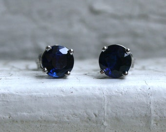 Lovely Vintage Sapphire Stud Earring in Platinum - 1.50ct.
