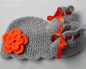Crochet Baby Hat and Booties Set, gift baby shower photo prop