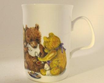 Vintage 1992 Roy Kirkham bone china teddy bear family at breakfast mug Made in England