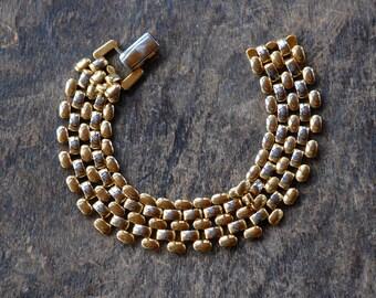 Vintage NAPIER Bracelet Panther Link Shiny Gold Tone Patent 4774743 1980's // Vintage Designer Costume Jewelry