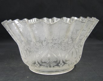"7576 One Etched Glass Lamp Shade Gasolier Victorian  4"" holder c1890"
