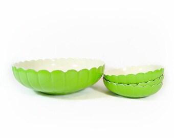 Vintage Green Plastic Bowl Set Salad Snack Bowl Set Scalloped Serving Tulip Flower Petal Bowl Bright Spring Green Melamine Mid Century Retro
