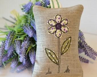 Lavender bag, Lavender sachets, Scented bag, Dried lavender, English Lavender, Lavender scent, Linen lavender bag, Embroidered purple flower