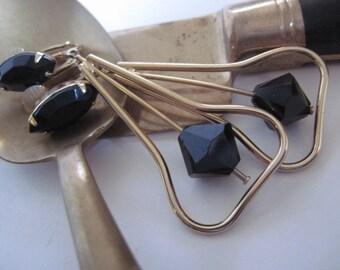 Vintage Gold Tone Prong Set Black Glass Clip On Dangle Earrings