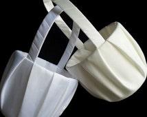 Plain Ivory or White Flower Girl Basket / Ivory Flower Girl Basket / Simple Ivory Flower Girl Basket