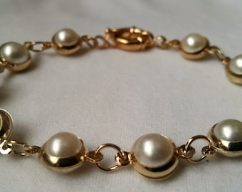 FREE SHIPPING-Wedding Gold Plated Ivory Pearl Bracelets, Bridal Jewelry with Gold Plated Nautical Clasp.