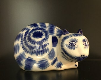 """Home Decor Blue and White Modern Vintage Japanese/Japan Made Cat Statue 4""""x6"""""""