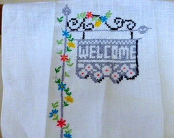 Vintage Embroidered Guest Towel With Welcome Sign