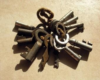 11 Small Vintage Keys,  Miniature Antique Keys, Mini Collectible Steel Keys, Tiny Key Lot, Steampunk Keys, Old Keys, Extra Small Keys