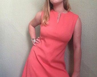 30% OFF SALE!! enter summersun at checkout! 1960s Salmon Pink Mod Dolly Dress sz L
