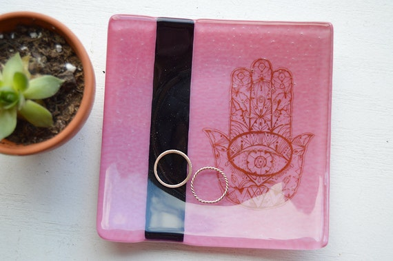 Hamsa 5x5 Square Glass Fused Dish in hot pink/magenta glass
