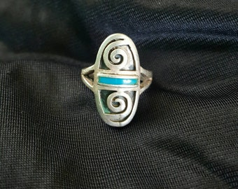 Vintage 90s Infinity Celtic-Style Cut-Out Swirl Shape Silver Stamped 925 Unisex Blue Inlay  Boho Hippie Alternative Grunge Double Prong Ring