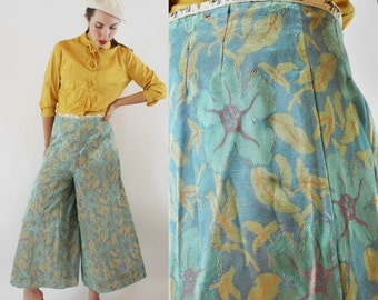 SHOP IS AWAY --- 1960s Floral Palazzo Wide Leg Gaucho Pants