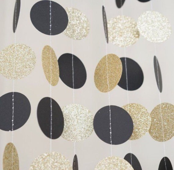 Black and gold circle dot garland balloon tails for Gold dot garland