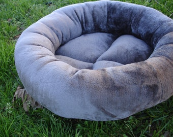 Cat bed, dog bed, pet bed, donut bed, machine washable bed, kitty bed, kitten bed,gray cat bed, grey dog bed, pet beds, round bed, cat beds