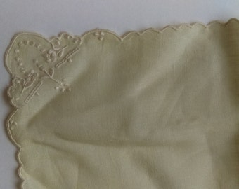 Antique Green handkerchief with Ivory Embroidered Scalloped Antique 1940s