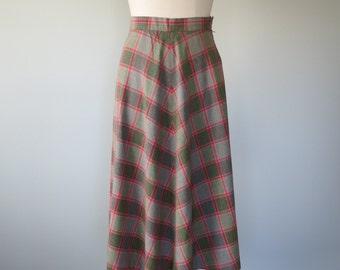 40s gabardine plaid skirt size medium / vintage plaid skirt