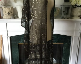 20s Assuit Shawl in Black and Silver