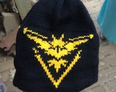 Team Instinct, Black with Yellow Beanie Hat - Large