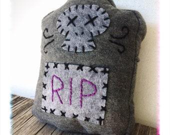 RIP TOMBSTONE PILLOW // creepy cute halloween plush toy // felt plushie // graveyard skull plush // stuffed animal