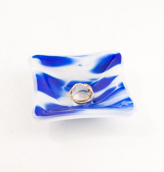 Glass ring holder small jewelry dish cobalt blue and white for Blue glass bath accessories