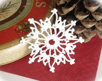 Crochet snowflakes Christmas snowflake ornaments White hanging ornaments Home decorations Winter wonderland White decor S15