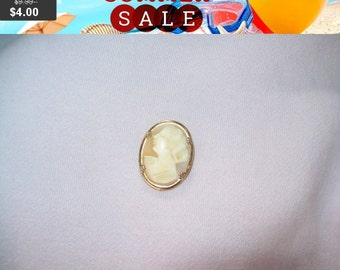 SALE 60% Off Vintage Coro cameo pin brooch