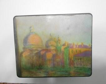 Vintage Plastic Lidded Box--Note Pad Holder (18-B)