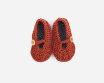 Crochet baby girl shoes, crochet baby boots, baby shoes girl