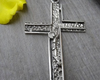 Old 900 silver crucifix. Vintage cross. Old second hand.