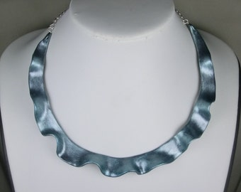 Scalloped wavy necklace/ pearl blue-green metallic Fimo/ polymer clay choker with metal base chain/ shape almost around whole neck