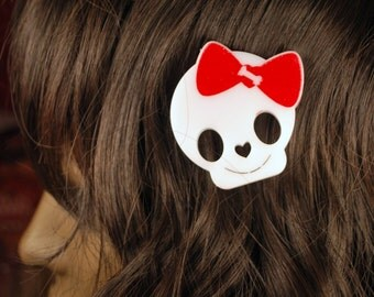 Happy skull with a hairbow creepy cute hairclip