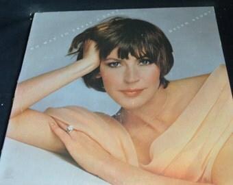Vintage Vinyl Record Helen Reddy: No Way To Treat A Lady Album ST-11418