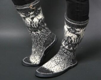 Moose elk slippers, Unisex gray slippers, Wool reindeer pantoufles, Chaussettes leather, Handmade slippers HYGGE socks footwear Eco friendly