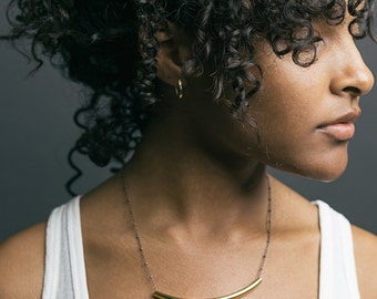 Saturn Chain Curve Necklace