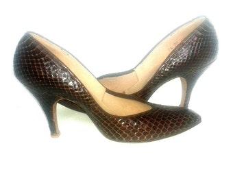 1950s Shoes - Rich Brown Snakeskin Vintage Pumps - Grace Walker - 7.5 Narrow
