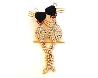 Vintage Cat Pin Brooch Rhinestones Clear & Red w Black Enamel Hearts Gold Figural Cat Jewelry