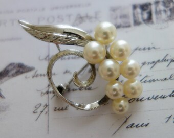 VTG real pearls Brooch s