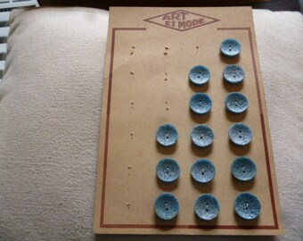 Vintage Buttons. 14 Sky Blue Plastic Buttons. Grained Wood effect finish. 1960s Vintage.