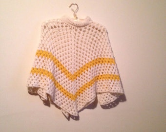 70s crocheted poncho sweater, white and yellow cape - vintage -