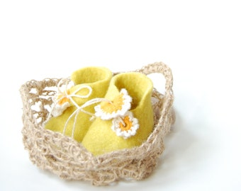 Baby gift first shoes ,Lemon yellow felted booties in Crochet jute bag ,Unisex baby wool shoes ,Newborn gift ,Christening shoes ,0-3 months