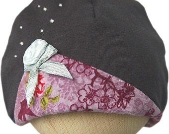 Romantic baby hat with rose and Swarovski crystals dark grey/purple