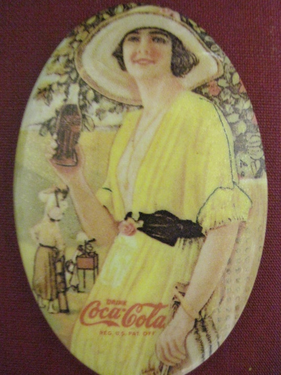 Vintage Coca Cola 1973 Advertising Pocket Mirror Memorabilia