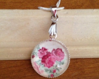 Red Roses Silver Pendant Necklace