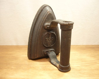Vintage sad iron marked K 7