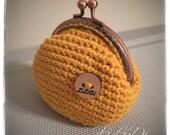 Crochet Coin Purse, Kiss Closure Chain Purse, Vintage Inspired.