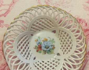 Country french lattice lace floral bowl
